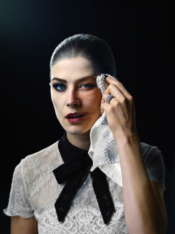 rosamund pike woman of the year 2014