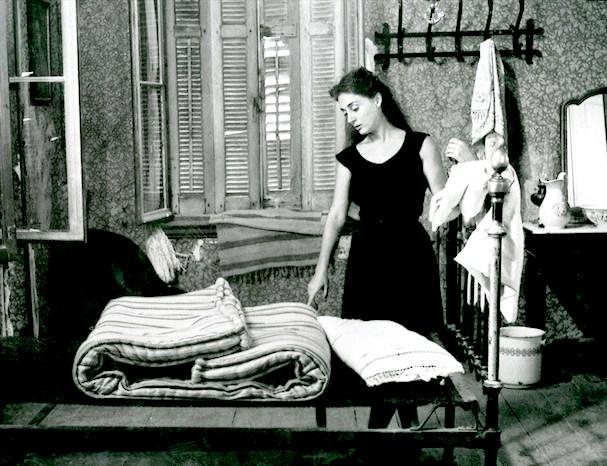 Το Κορίτσι με τα Μαύρα 607