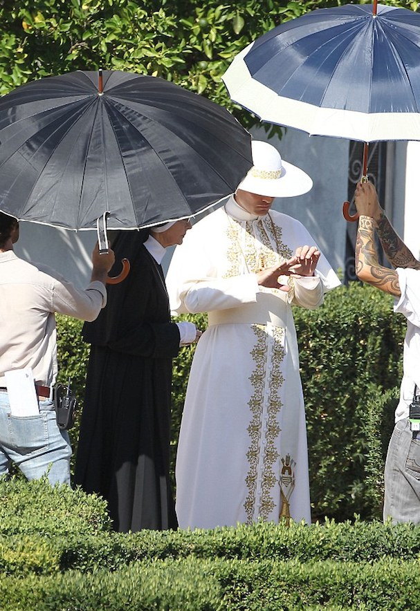 Young Pope 607