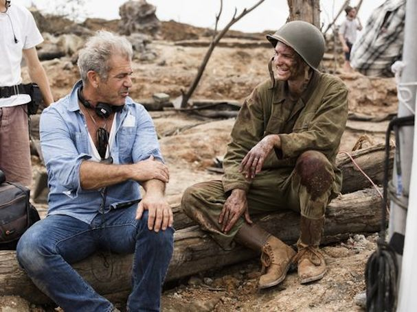 Mel Gibson On set Hacksaw Ridge 607