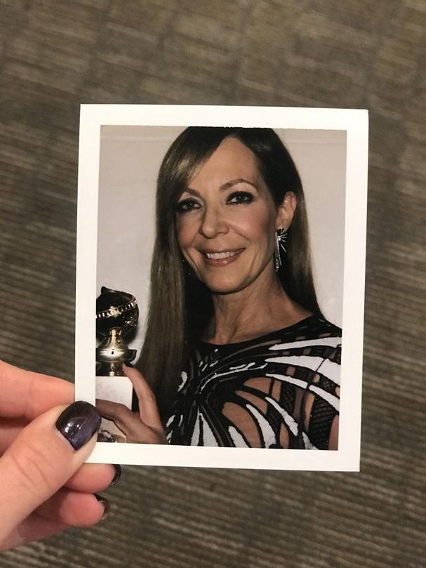 golden globes 2018 polaroids Alison Janney 607