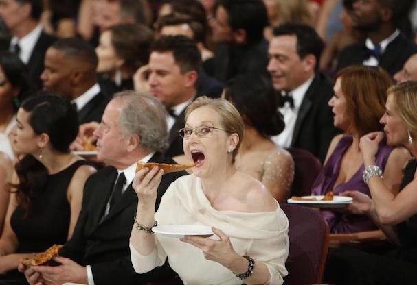 Meryl Streep eats pizza