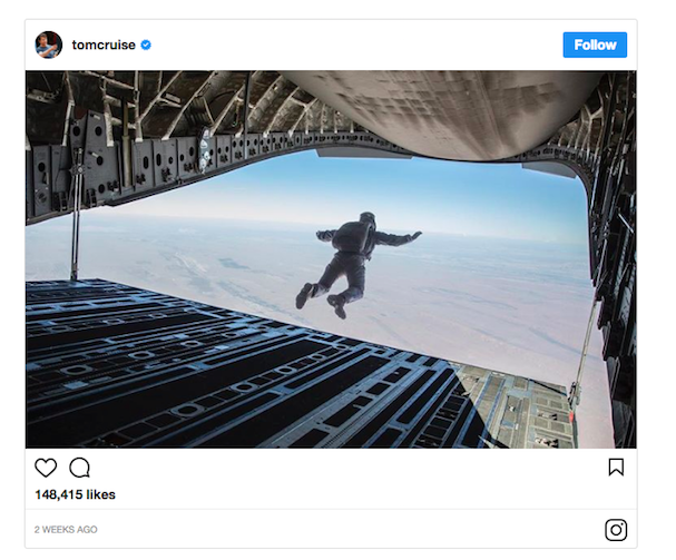 Tom Cruise jumps off plane 607 2