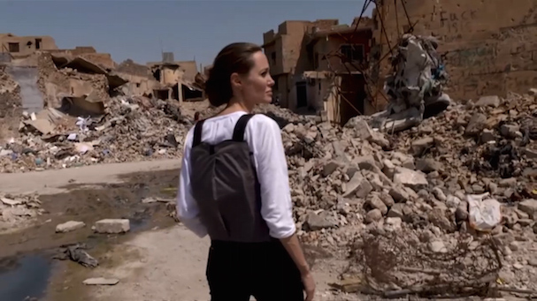 Angelina Jolie Mosul 607 2