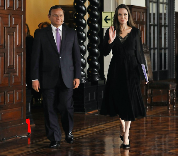 Angelina Jolie Peru 607 2