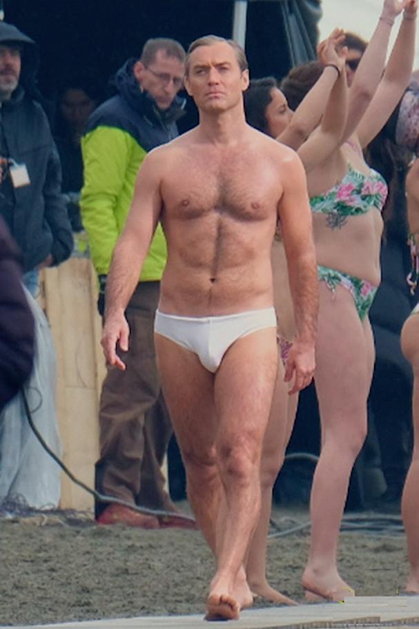Jude Law 607 1