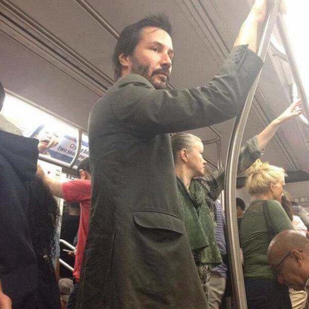 Keanu Reeves metro 607