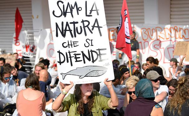 Climate activists Venice 607 1