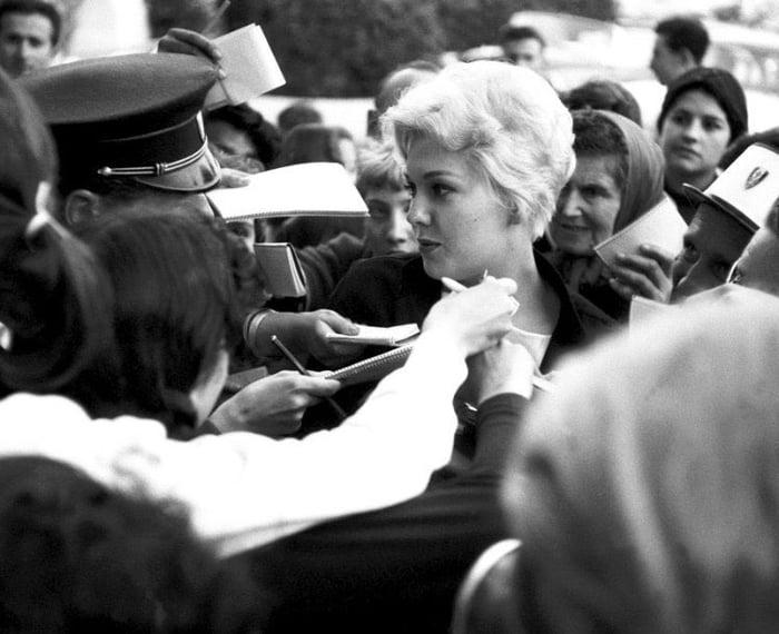 kim novak cannes 1955