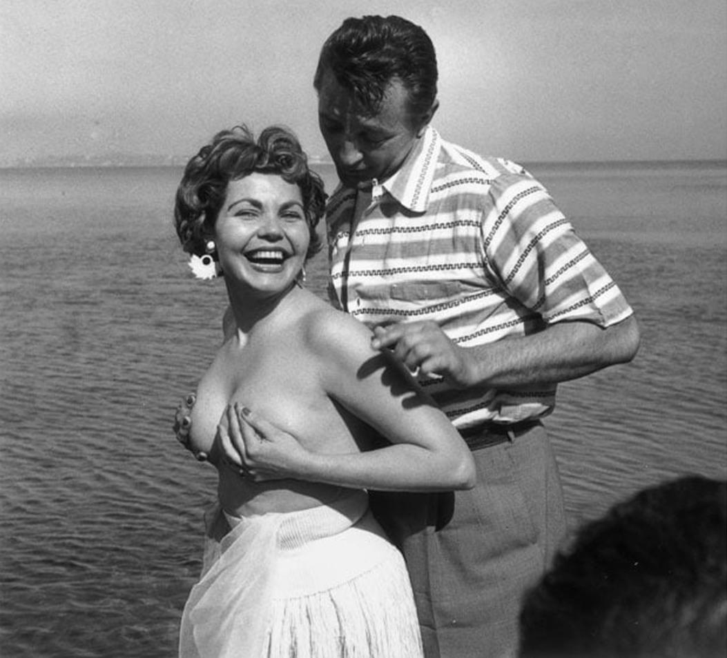 simone silva robert mitchum cannes 1954