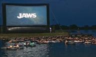 Πόσοι θα τολμούσατε να δείτε το «Jaws»... έτσι;