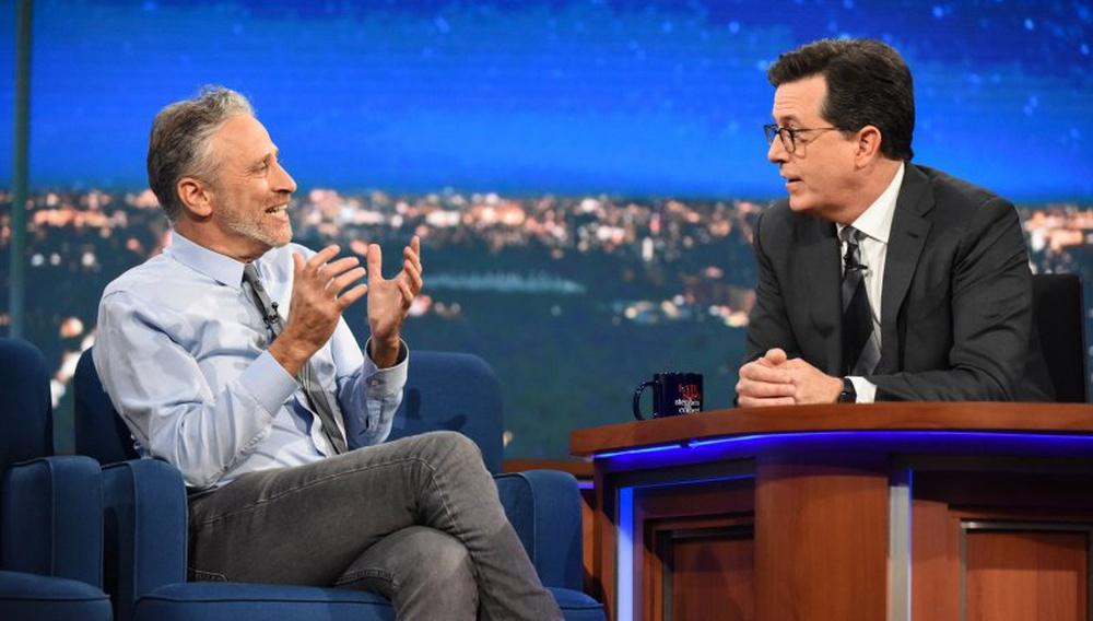 Δείτε το Daily Show Reunion: Στίβεν Κολμπέρ, Τζον Στιούαρτ, Τζον Ολιβερ ξανά μαζί!