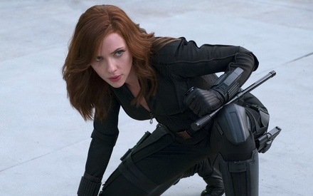 Μαύρη Χήρα εναντίον ποντικιού. Η Σκάρλετ Τζοχάνσον μηνύει την Disney για το «Black Widow»