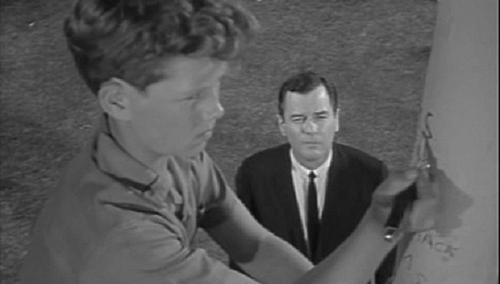 Βλέποντας τηλεόραση ένα επεισόδιο τη φορά #6: «The Twilight Zone», Walking Distance