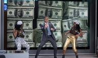 Ο Τζορτζ Κλούνεϊ πληρώνει για το τέρας του καπιταλισμού σε τρεις σκηνές από το «Money Monster» της Τζόντι Φόστερ