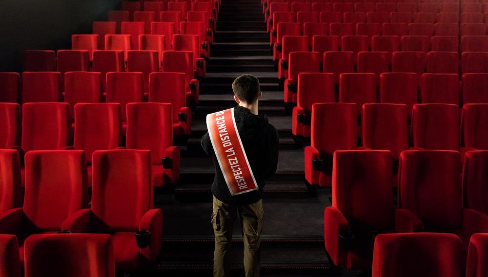 Τι σημαίνει η απαγόρευση κυκλοφορίας στη Γαλλία για την επιβίωση των κινηματογράφων