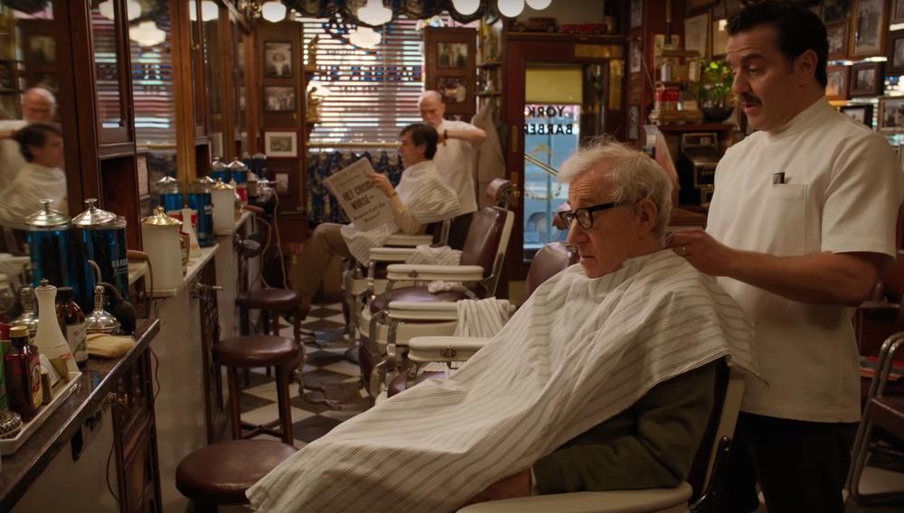 Ο Γούντι Αλεν θέλει να μοιάσει στον Τζέιμς Ντιν στις πρώτες εικόνες από το «Crisis in Six Scenes»