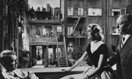 Σπάνιες φωτογραφίες από τα γυρίσματα του «Σιωπηλού Μάρτυρα» του Αλφρεντ Χίτσκοκ