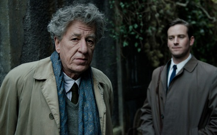 Berlinale 2017: Ο Στάνλεϊ Τούτσι χαϊδεύει τον Αλμπέρτο Τζιακομέτι στο «Final Portrait»