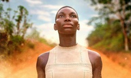 «Black Earth Rising»: Υπάρχει χώρος στην τηλεόραση για μια σειρά για τα εγκλήματα πολέμου;