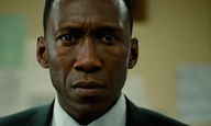 True Detective 3: Eίναι ο Μαχερσάλα Αλι, ο Σίντνεϊ Πουατιέ της εποχής μας;