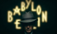 «Babylon Berlin»: O Τομ Τίκβερ υπογράφει την πιο φιλόδοξη ευρωπαϊκή σειρά της χρονιάς