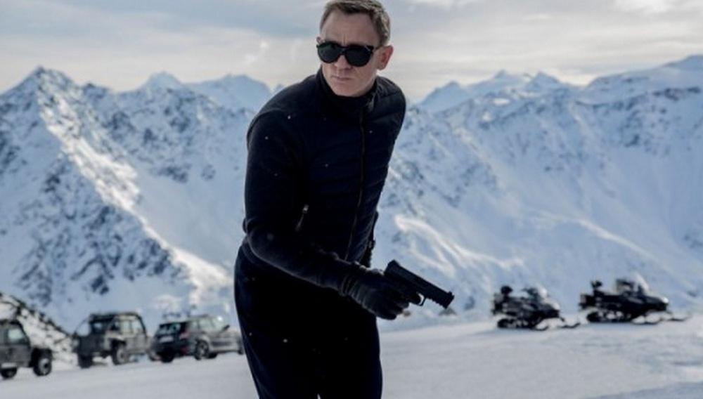 Πρώτη επίσημη εικόνα του Ντάνιελ Κρεγκ από το «Spectre» (συν παιχνίδια στα χιόνια με την Λέα Σεντού)