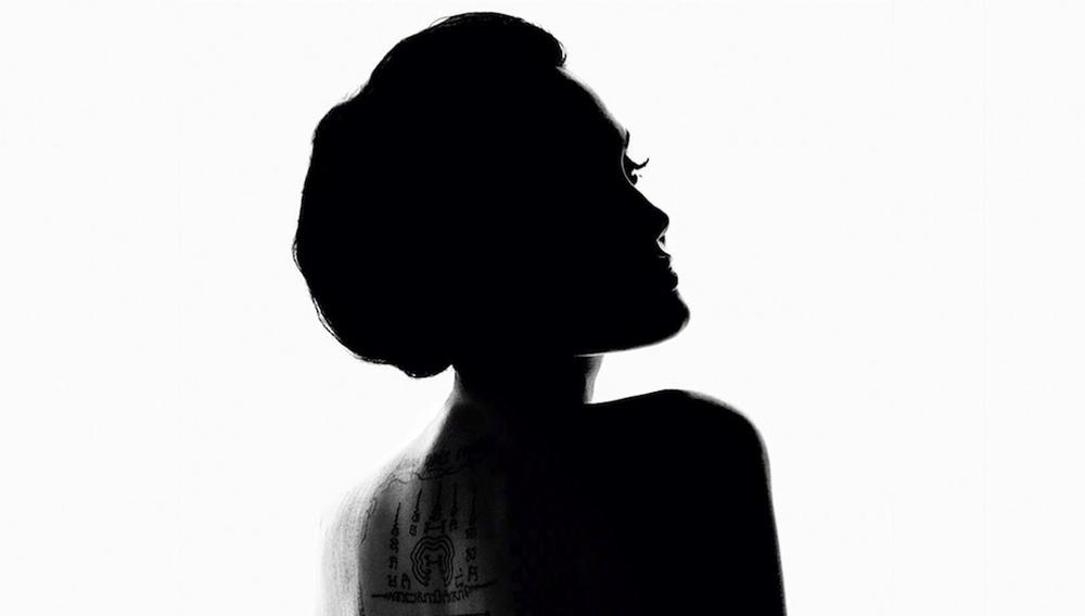Η Αντζελίνα Τζολί συναντά τον Τέρενς Μάλικ. Σε ένα διαφημιστικό