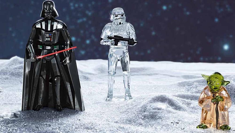 Στον γαλαξία του kitsch.  Οι χαρακτήρες του «Star Wars» από κρύσταλλα  Swarovski