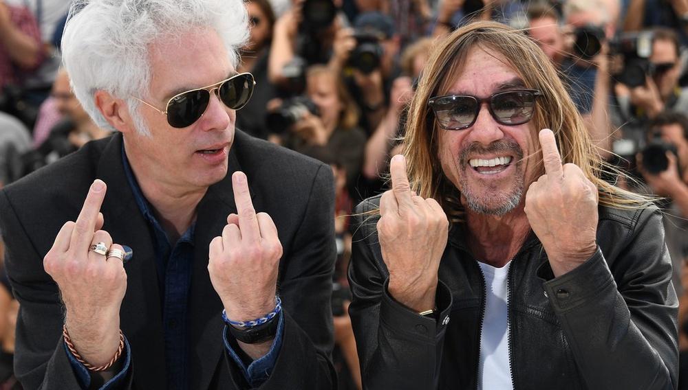 Κάννες 2016: «Δεν είναι ένα ντοκιμαντέρ για τον Ιγκι, αλλά για τους Stooges» είπε ο Τζιμ Τζάρμους και σήκωσε τη γροθιά του στον αέρα