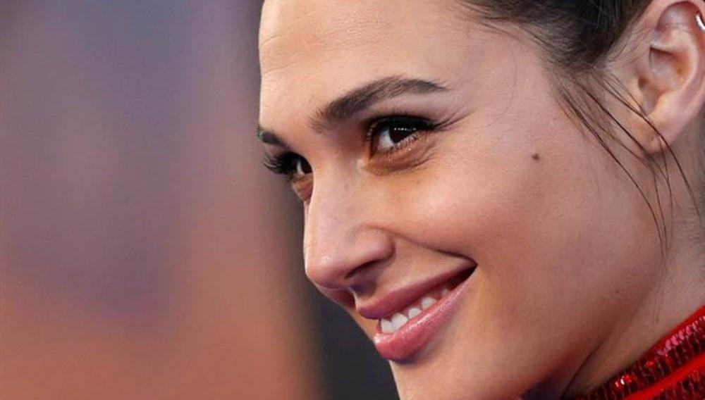 Οταν είσαι πραγματική Wonder Woman: η Γκαλ Γκαντότ δε θα επιστρέψει για το sequel, αν δεν απολυθεί ο Μπρετ Ράτνερ