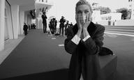 Φεστιβάλ Βενετίας 2020: Ο Γκρεγκ Γουίλιαμς φωτογραφίζει τους σταρ (σε λαμπερό ασπρόμαυρο)