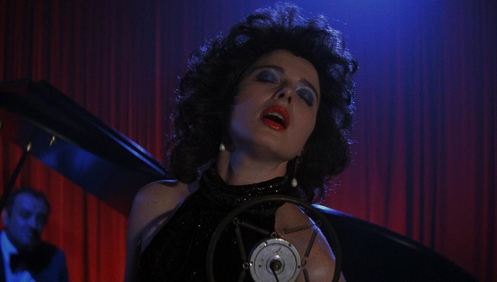 Σταματήστε ό,τι κάνετε: δείτε 50 λεπτά κομμένου υλικού από το «Blue Velvet»!