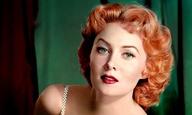 Εφυγε η Ρόντα Φλέμινγκ, η ηθοποιός που έδωσε χρώμα στο έγxρωμο σινεμά και σκοτάδι στο νουάρ