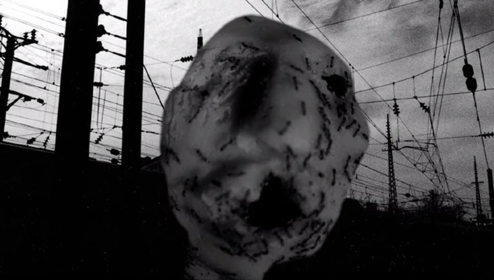 «Ant Head»: Δείτε ολόκληρη τη 13λεπτη (νέα!) ταινία του Ντέιβιντ Λιντς