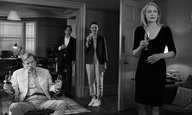 Berlinale 2017: Στο «The Party» της Σάλι Πότερ, οι καλεσμένοι είναι προβληματικοί και το  χιούμορ δηλητηριώδες