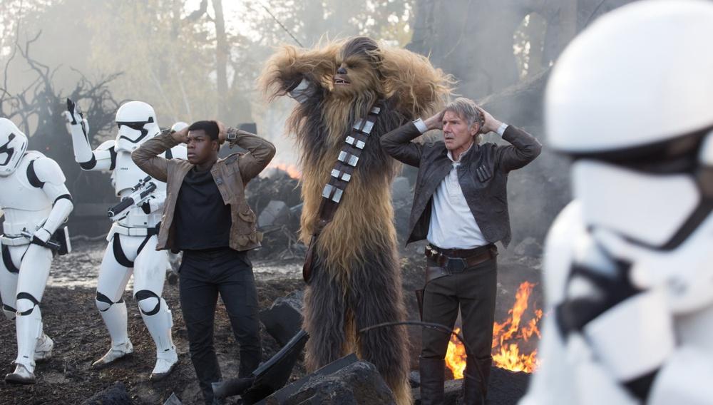 To «Star Wars» σπάει εισπρακτικά ρεκόρ πριν ακόμη αρχίσει να προβάλλεται