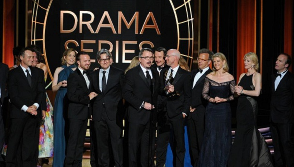 Τα Emmy παίζουν επαναλήψεις αλλά το «Breaking Bad» έχει την έξοδο που του αξίζει