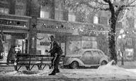 Στο σινεμά, το χιόνι δεν είναι κρύο