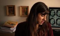 Η Κάτια Γκουλιώνη μιλάει στην κάμερα του Flix για το «Σύμπτωμα» του Αγγελου Φραντζή και τα παράξενα κορίτσια της