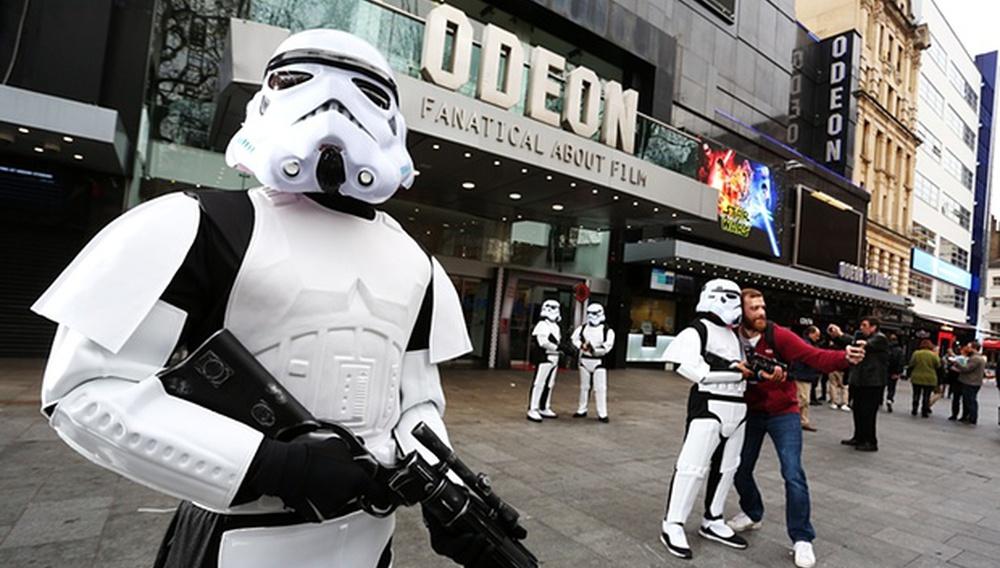 Τα 10 ρεκόρ που έσπασε ήδη το «Star Wars: The Force Awakens» στο box office
