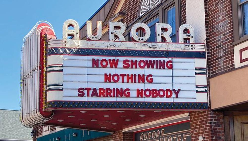 Ο κόσμος υποδέχεται το 2021 με κλειστά σινεμά. Ως πότε;
