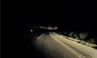 Προσοχή κίνδυνος. Ενας φωτογράφος απαθανατίζει τα σημεία των δρόμων όπου σκοτώθηκαν σταρ
