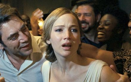 Βενετία 2017: Η κόλαση είναι οι απρόσκλητοι επισκέπτες στο «mother!» του Ντάρεν Αρονόφσκι