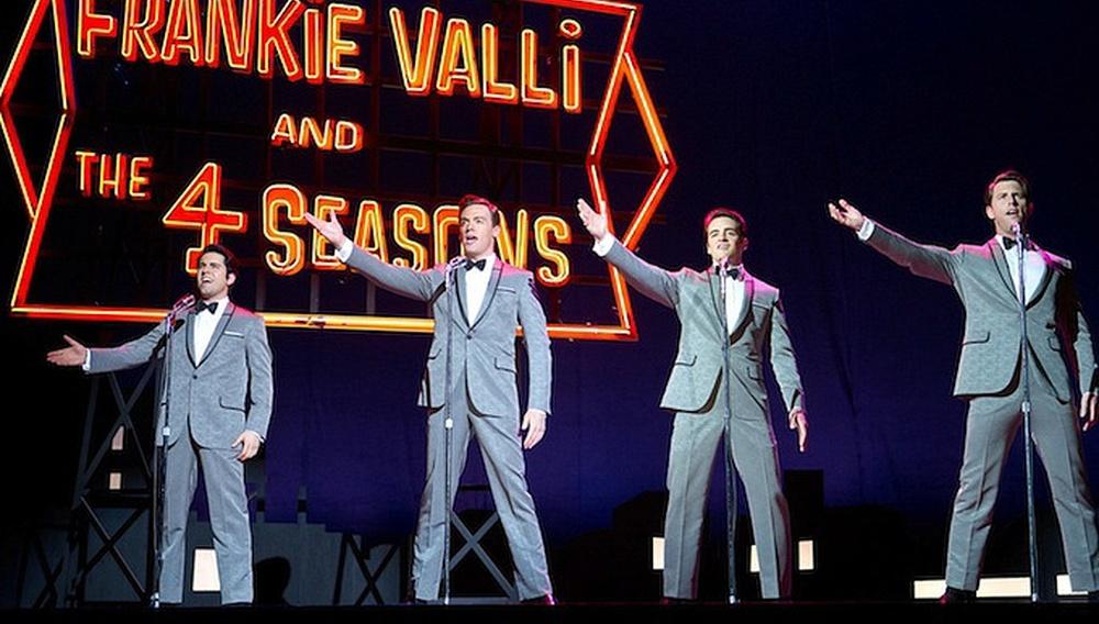 «Θα γίνω τόσο μεγάλος όσο ο Σινάτρα»: πρώτο τρέιλερ για το «Jersey Boys» του Κλιντ Ιστγουντ