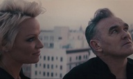 «Earth is the Loneliest Planet»: Οταν ο Morrissey συνάντησε την Πάμελα Αντερσον