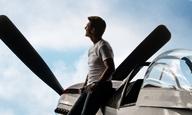 Ο Τομ Κρουζ αψηφά και τους αιθέρες (και το χρόνο) στο νέο τρέιλερ του «Top Gun: Maverick»