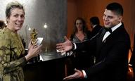Oscars 2018: Εκλεψαν το Οσκαρ της Φράνσις ΜακΝτόρμαντ!