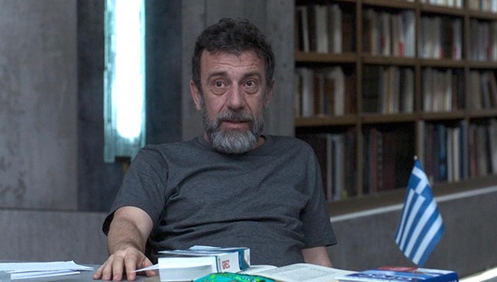 Ο Μανώλης Μαυροματάκης «μεταφράζει» στο Flix την επιτυχία μιας μεγάλης, all-star-cast, ταινίας