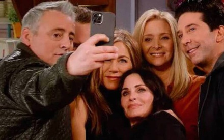 Friends Reunion: Δείτε τις συνεντεύξεις που έδωσαν τα Φιλαράκια λίγο πριν την πρεμιέρα